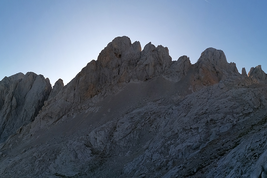 trekking Urriellu